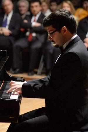 Mennan Beerveniku in concert (2)