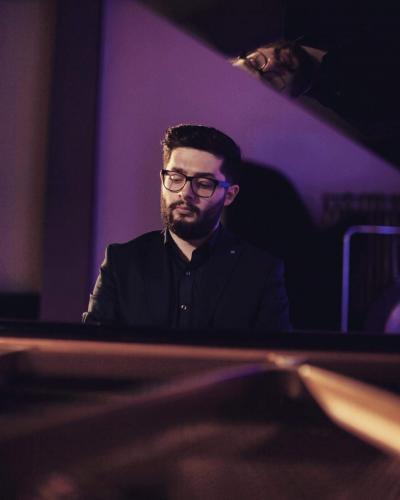 Mennan Beerveniku in concert (1)